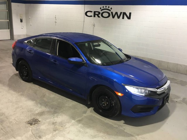 Certified Pre-Owned 2017 Honda Civic Sedan LX / Certified / Apple car play / Rear view camera / Heated seats