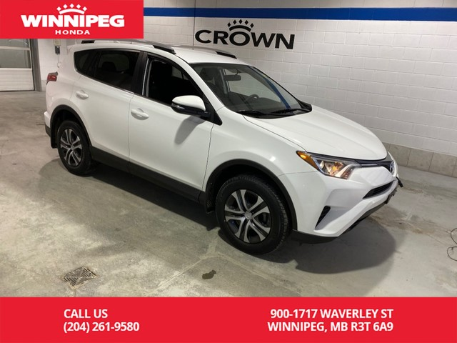 Pre-Owned 2016 Toyota RAV4 LE / AWD / Heated seats / Rear view camera / Lease return