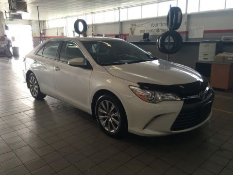 Pre-Owned 2016 Toyota Camry XLE Auto / Accident Free / Leather / Manitoba Vehicle / One Owner / Great Condition