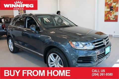 Pre-Owned 2014 Volkswagen Touareg 4dr 3.6L Sport / Navigation / Sunroof / Leather / Fully loaded